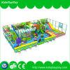 [س] أطفال معياريّة يلعب داخليّة ملعب تجهيز سعرات