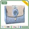 Blaue Rosen-weiße Karten-Papier-Einkaufstasche, Geschenk-Beutel