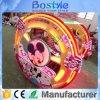 Gelukkige Auto die van de Verkoop van de fabriek de Directe de Elektrische Auto van het Wiel van het Saldo van de Auto van Jonge geitjes roteert