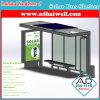 Cobertizo del panel solar que hace publicidad de la visualización
