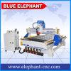 手車輪が付いている青い象1325年のCNCの機械装置からCNCのルーターを作る木製のドア