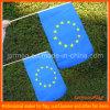 Drapeau de main de l'Union Européenne