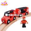 Los nuevos vehículos más populares a los niños jugar juegos de tren eléctrico de madera con magnético W04A366