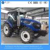 4WD 135HPの道具が付いている農業の農場または庭のトラクター