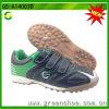 Nuove scarpe da calcio di arrivo per teenager