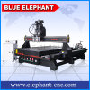Eje de rotación 1530 del doble del sistema neumático de China máquina del ranurador del CNC de 4 ejes en Shandong con el dispositivo de Routary