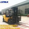 Un carrello elevatore diesel brandnew da 8 tonnellate con altezza di sollevamento di 4.5m