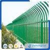 美しくより強い管状の電流を通された鉄の塀
