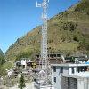 三角のマイクロウェーブ鋼鉄によって電流を通される自己サポートの電気通信タワー