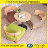 Club del café que cena sillas de la barra del ocio del restaurante