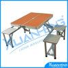 Tabelas e cadeiras de dobradura para o jogo conveniente ao ar livre da combinação