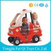 Giro sui giocattoli della plastica del giocattolo del gioco dei giocattoli dei bambini dell'automobile