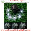 Света рождества силы относящие к окружающей среде содружественные СИД панели солнечных батарей украшения снежинки
