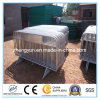 Используемая загородка /Barricades загородки барьера управлением толпы временно для сбывания