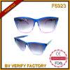 F6923 vendent les lunettes de soleil bon marché de plastique de qualité