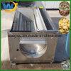 ピーラー機械を洗浄しているカッサバのポテトのにんじんのショウガのルート野菜