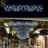 豪華な星が付いているLEDのクリスマスのモチーフの十字の街灯