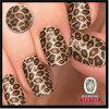 Leopardo clásico sobre trémulo de oro del arte del clavo