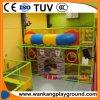 De binnen Commerciële Speelplaats week-E80228A van de Speelplaats van het Centrum van het Spel Binnen