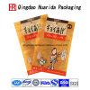 Гибкая упаковка еды собаки кладет пластичный мешок в мешки еды любимчика