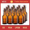 In het groot het Brouwen van het Glas van het Bier van de Douane AmberFles met het Deksel van de Klem