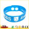 Wristband feito sob encomenda de Silcone dos braceletes do Wristband do silicone da cor