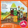 Kind-Plastikspielplatz-Struktur-im Freienplättchen