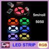 L'indicatore luminoso di striscia impermeabile di alta qualità 5050 LED 5 misura 300 LED con un contatore RGB