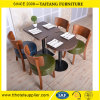 Vector y silla de madera de cena del restaurante del grado superior