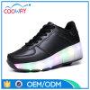 新しいデザインLED男の子の運動靴LEDのローラースケートの靴