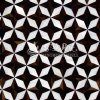Progetta sul mosaico di pietra madreperlaceo delle coperture