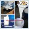 型を作るための白い液体のシリコーンゴム