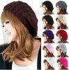 最も新しい冬の暖かい編まれたかぎ針編みの無能のだぶだぶのベレー帽の帽子の帽子
