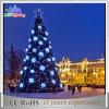 De openlucht Decoratie steekt de Grote Commerciële Kunstmatige Kerstboom van de Kegel aan