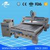 機械を切り分けるCNCの木版画