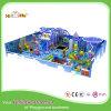 Hölzernes Kugel-Pool-Plastikinnenspielplatz