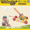 Il gioco del bambino dello sbarco di Thinkertoy ostruisce la sosta educativa della molla di serie della sosta del giocattolo