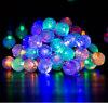 La stringa alimentata solare della sfera della bolla dei 30 LED illumina le decorazioni esterne di natale