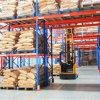 Racking del magazzino per il funzionamento del carrello elevatore a forcale