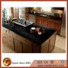 Bancada preta da cozinha da pedra de quartzo
