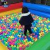 [بّ] كرة بلاستيكيّة مجفّفة لأنّ أطفال