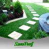 Aparência natural da paisagem em relva artificial para fins residenciais, área de exposições, jardim