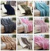 無地のホーム織物のソファーの安い投球毛布の寝具