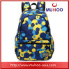 Il sacchetto blu esterno impermeabile di corsa mette in mostra gli zainhi dei bagagli per la promozione