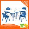 Mosaico de guardería para niños muebles plásticos bajo una mesa de estudio para la guardería