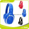 Écouteur en gros stéréo bleu d'Accessorie d'ordinateur