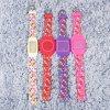 실리콘 물자 시계 LED 스크린 숙녀를 위한 다중 색깔 결박