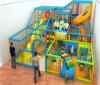 Equipamento interno do campo de jogos dos miúdos para o parque de diversões