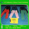 Roupa usada para calças do miúdo de África no quilograma