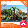Baum-scherzt im Freienspielplatz-Gerät Plastikplättchen